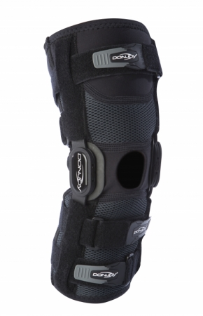 Donjoy Playmaker Ii Hinged Knee Brace Ligament Strains